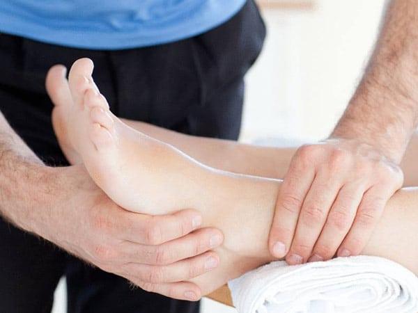 Traumi-sportivi-piedi-ginocchio-Collecchio